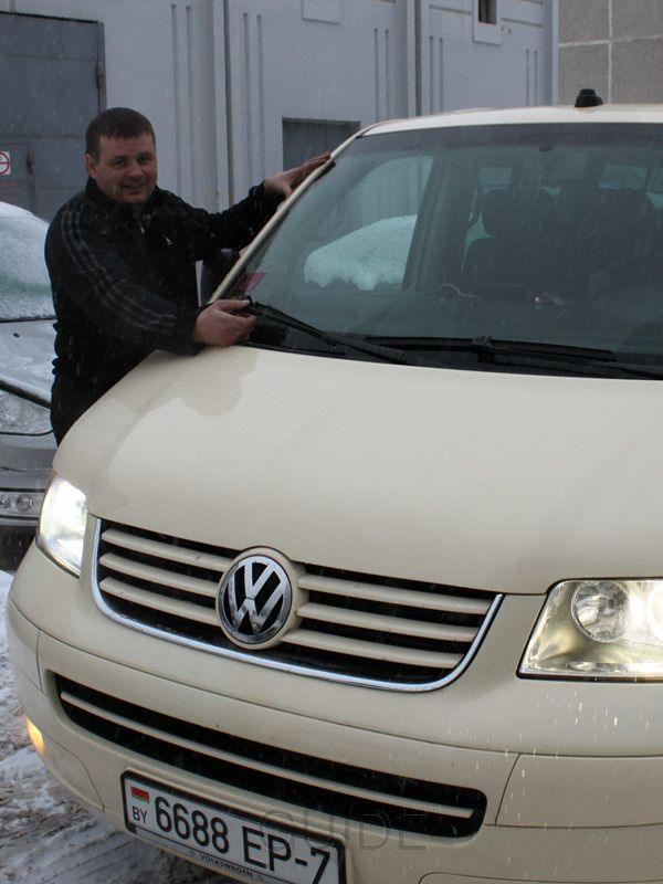 Minsk taxi: 8-passenger minibus driven by its owner